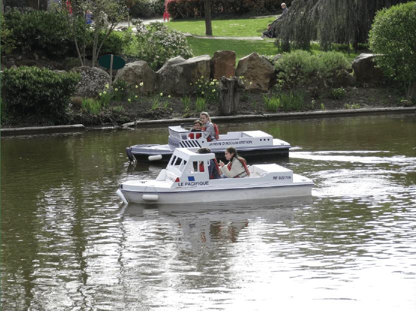 mini-bateau de sauveteurs pour enfant