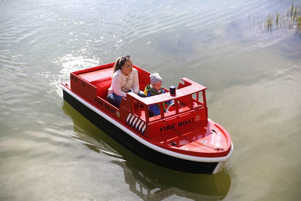 Mini-bateau de pompier